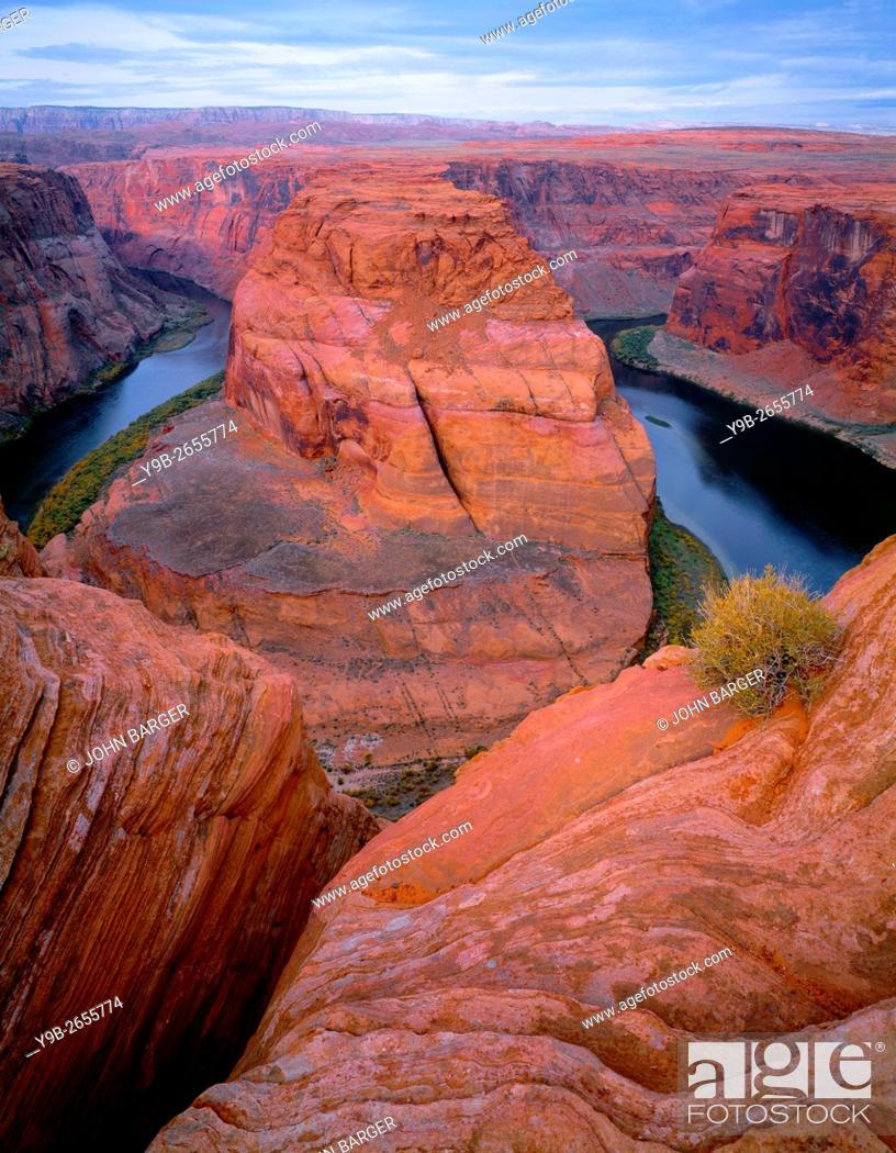 Stock Photo: USA, Arizona, Glen Canyon National Recreation Area, Horseshoe Bend on the Colorado River.