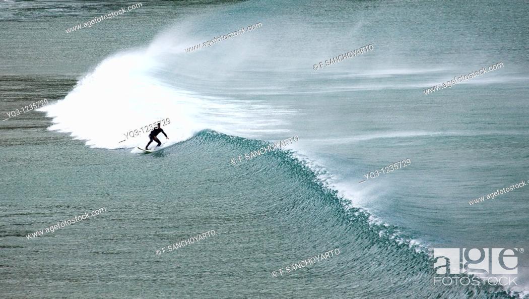 Stock Photo: Surfing, Oriñón, Castro Urdiales, Cantabria.