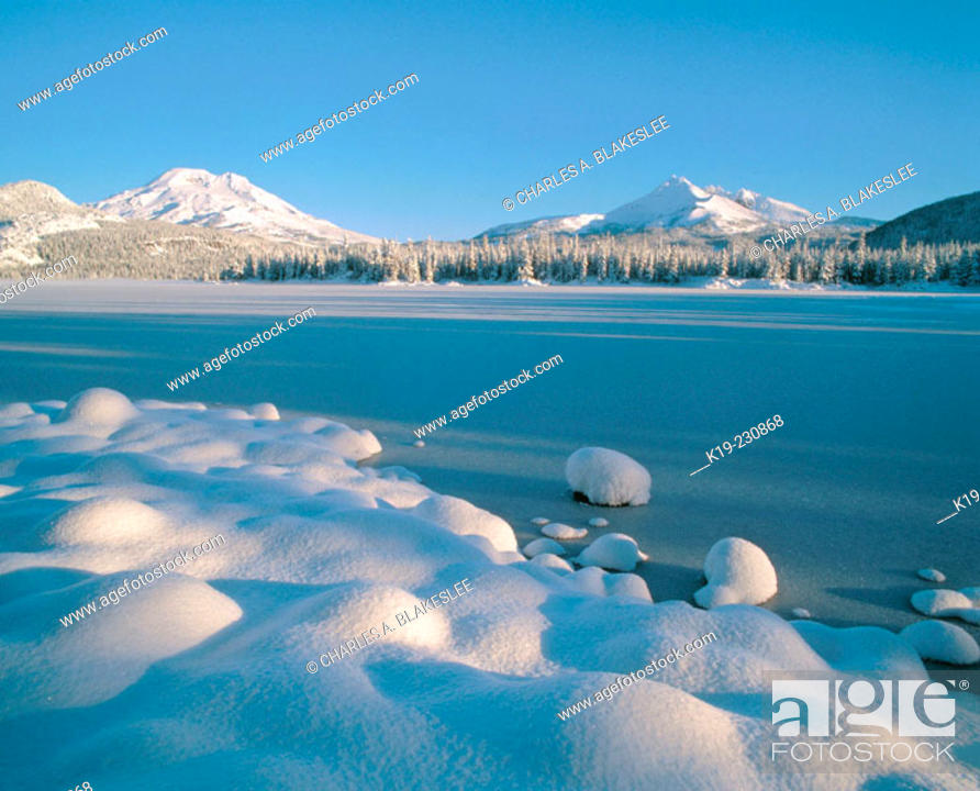 Stock Photo: Fresh winter snow covers South Sister, Broken Top and Sparks Lakes. Deschutes National Forest. Oregon. USA.