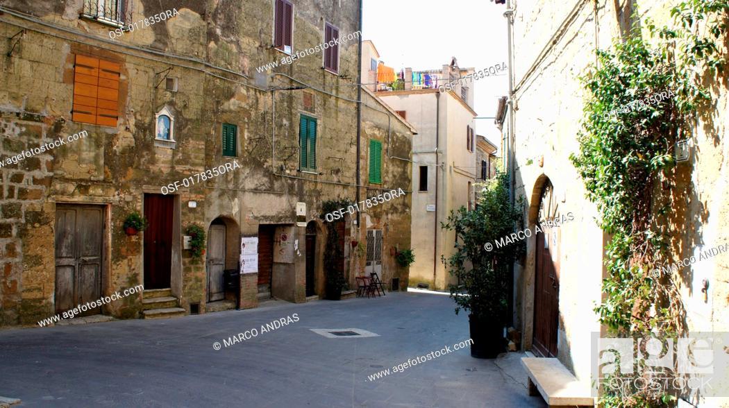 Stock Photo: Italy pitigliano.