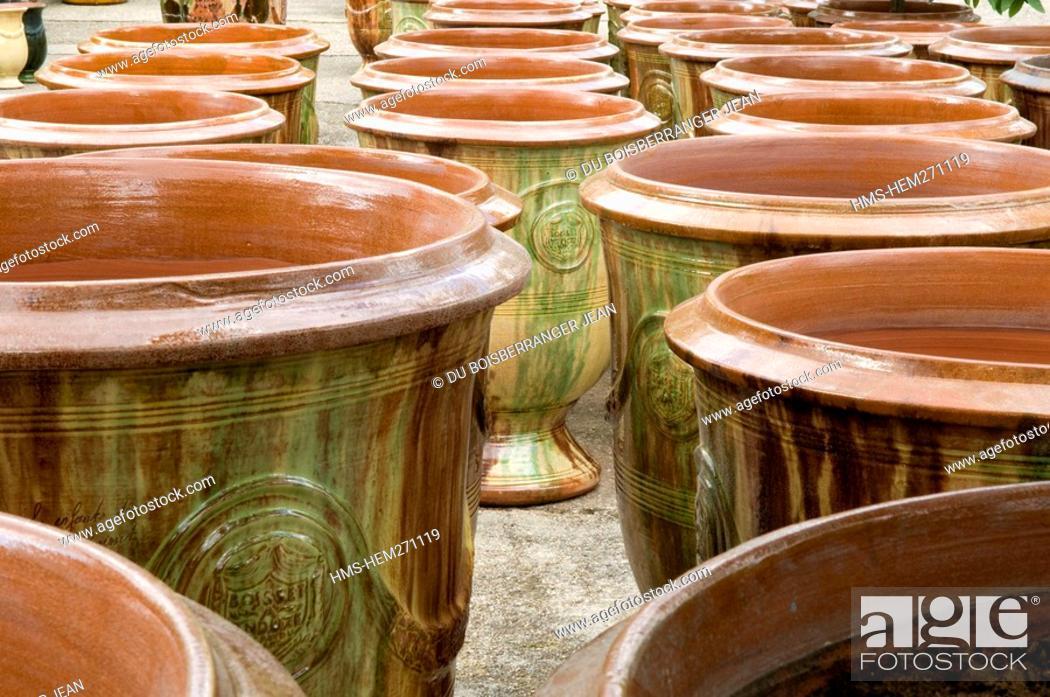 Stock Photo: France, Gard, Anduze, Anduze vases, Les Enfants de Boisset Pottery labelled Entreprise du Patrimoine Vivant Living Heritage Company.