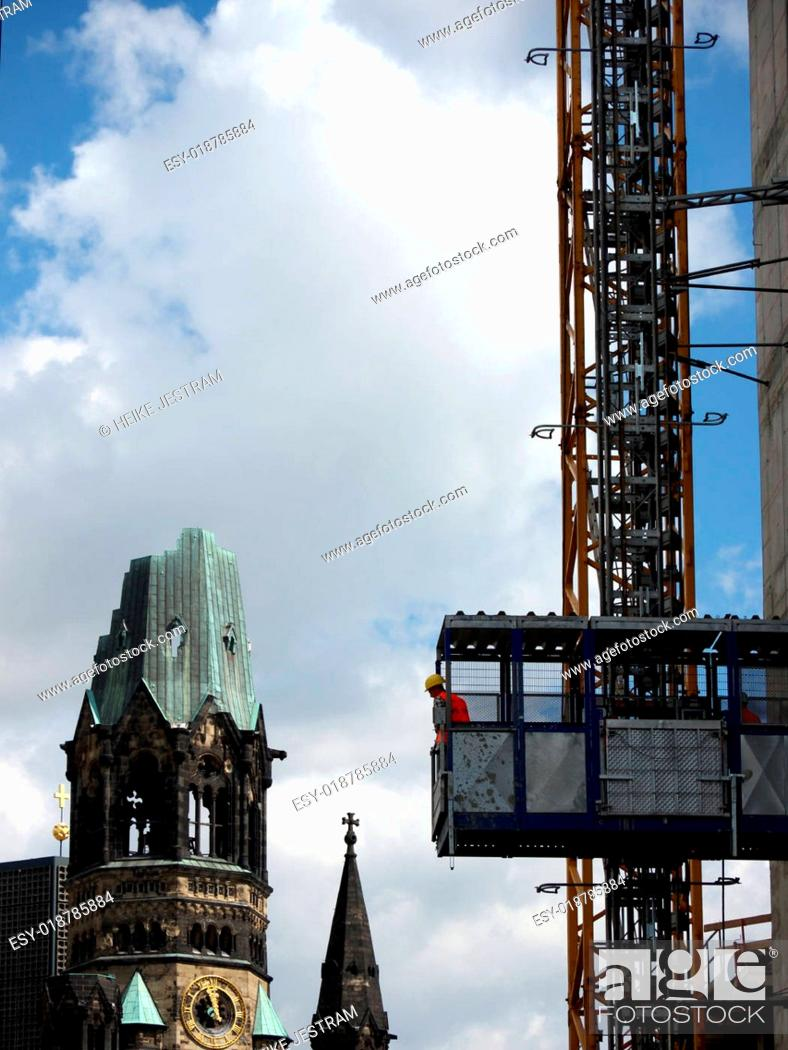Stock Photo: Berlin-Kran-Gedaechtniskirche.