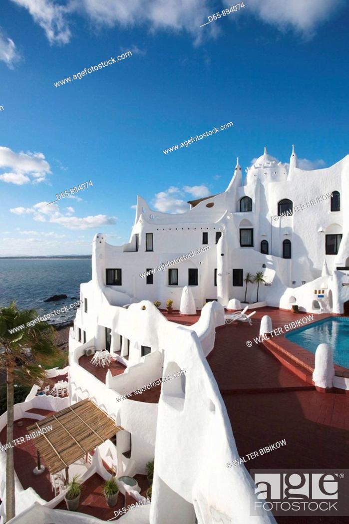 Photo de stock: Casapueblo hotel and art gallery of artist Carlos Paez Vilaro, Punta Ballena, Punta del Este area, Uruguay.