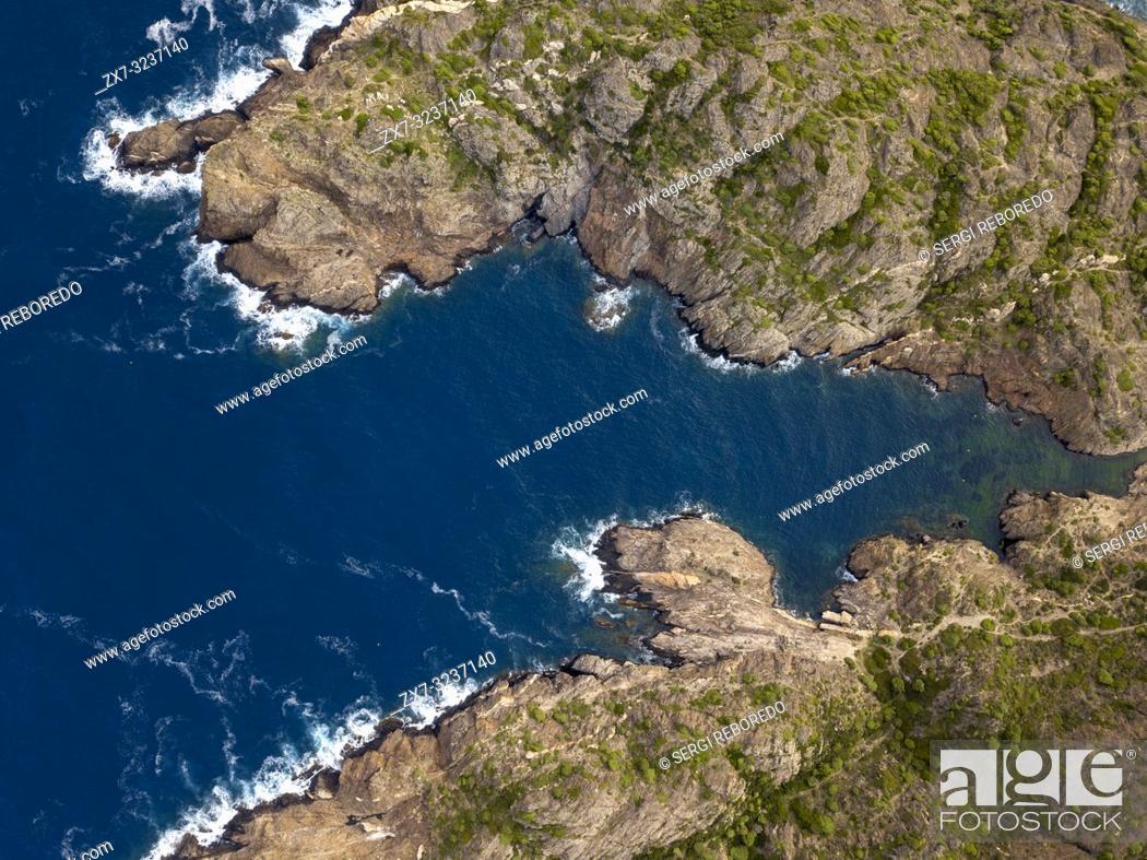 Imagen: Norfeus cap, Creus Cap Natural Park, Costa Brava, Girona, Spain / Cabo Norfeus, P. Natural Cabo de Creus, Costa Brava, Girona.