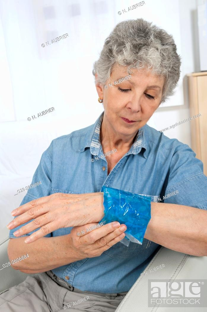 Stock Photo: Hot or cold gel compress to relieve pain.