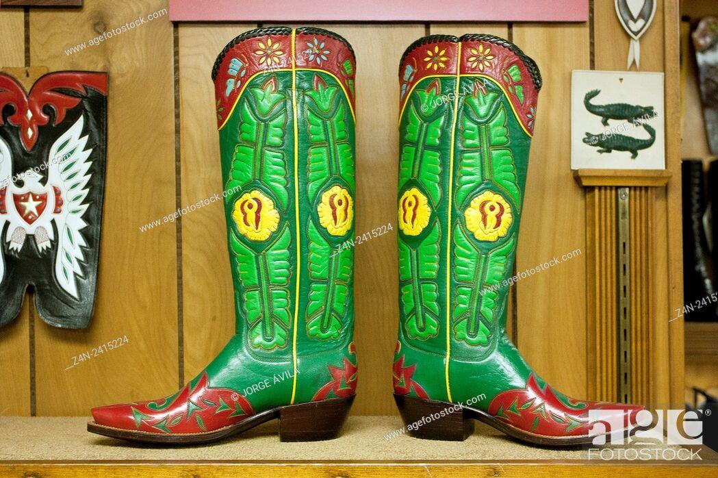 Imagen: Leather boots, Little Boot, San Antonio, Texas.