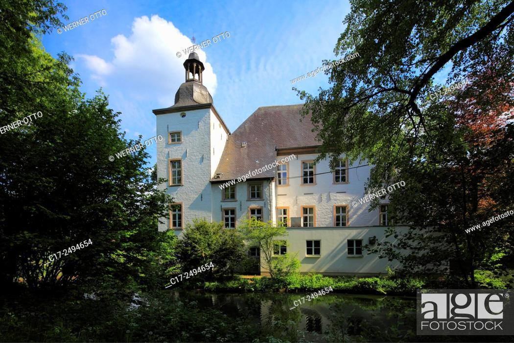 Stock Photo: Germany, Voerde, Lower Rhine, Ruhr area, Rhineland, North Rhine-Westphalia, NRW, moated castle Haus Voerde, park.