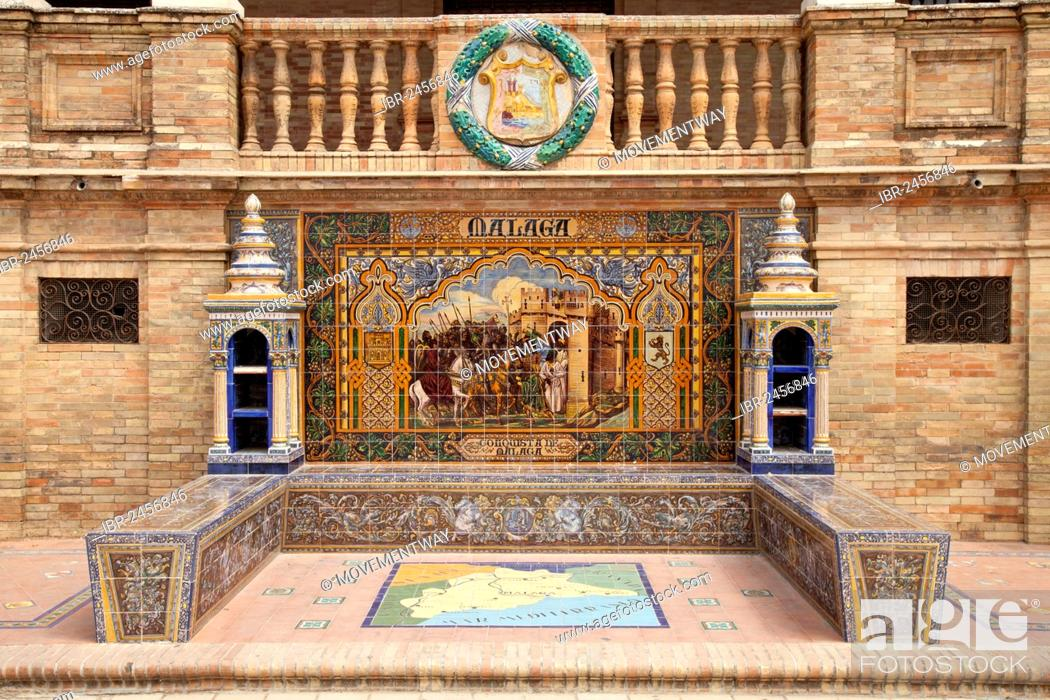 Image and a map of Malaga made of tiles in the Plaza de ... on