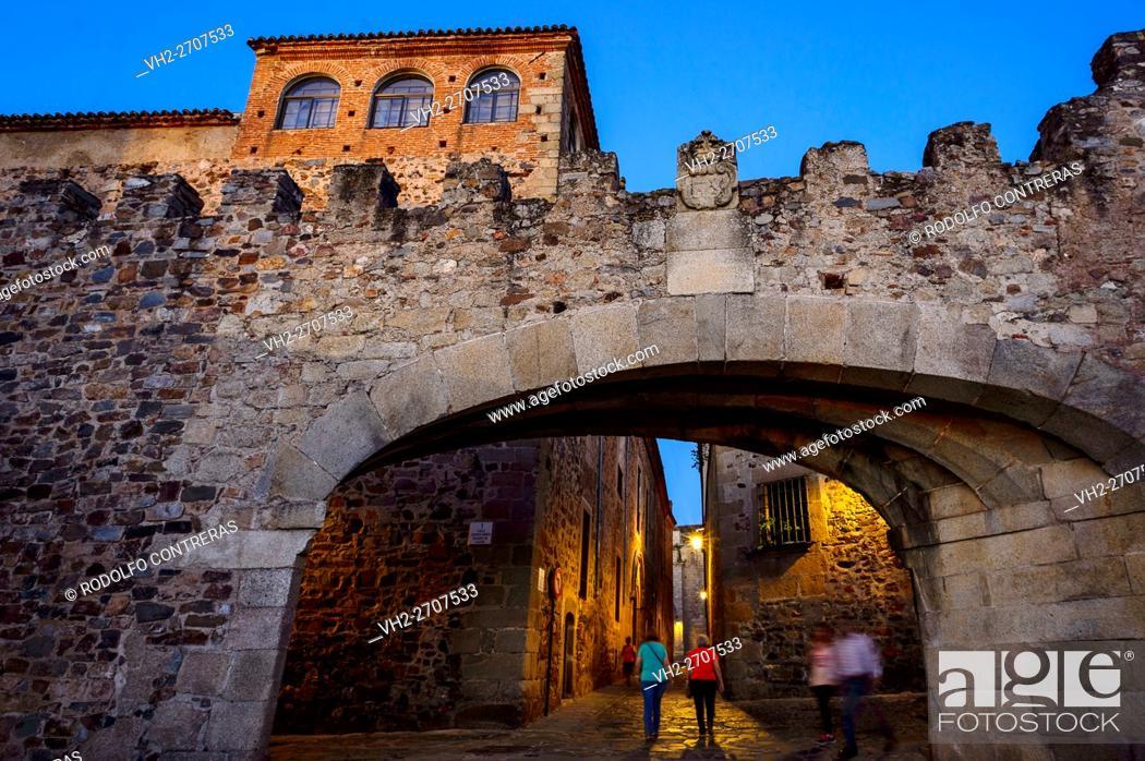 Stock Photo: Arco de la Estrella (Arch of the Star), Cáceres.