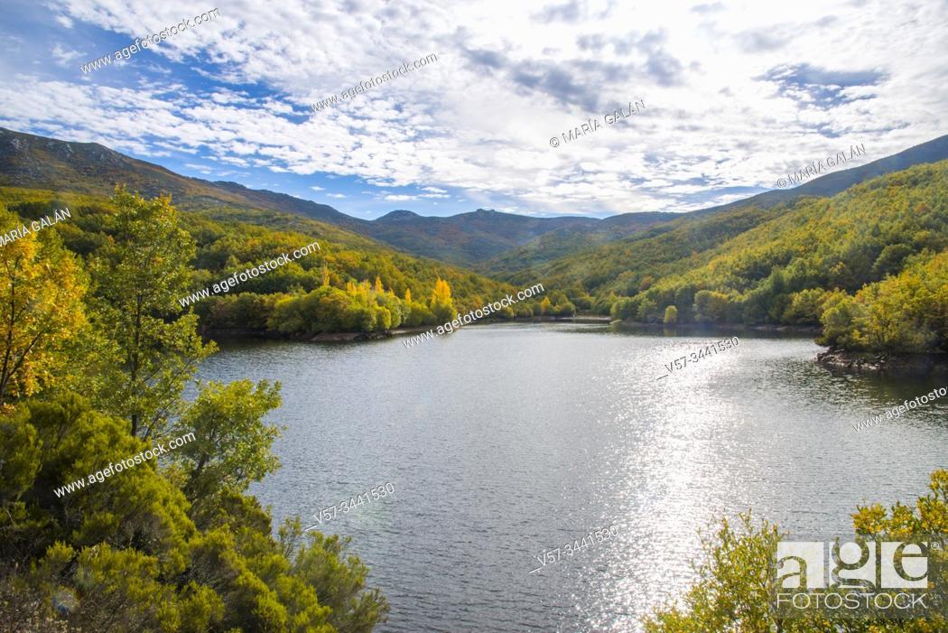 Stock Photo: Riofrio reservoir. Riofrio de Riaza, Segovia province, Castilla Leon, Spain.