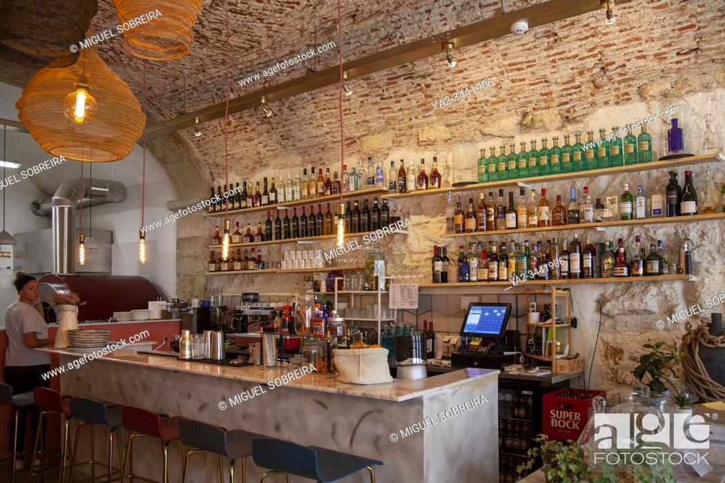 Imagen: Zappi Caffe Restaurant in Trendy Santos, Lisbon - Portugal.
