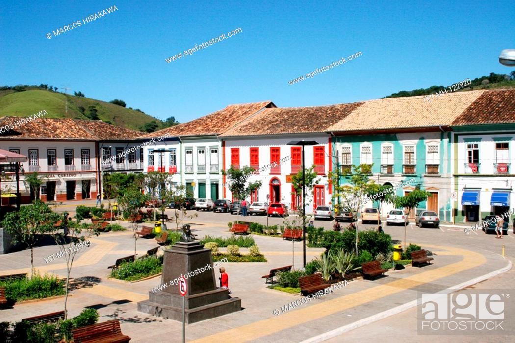 Stock Photo: Square Dr. Oswaldo Cruz, São Luís do Paraitinga, São Paulo, Brazil.