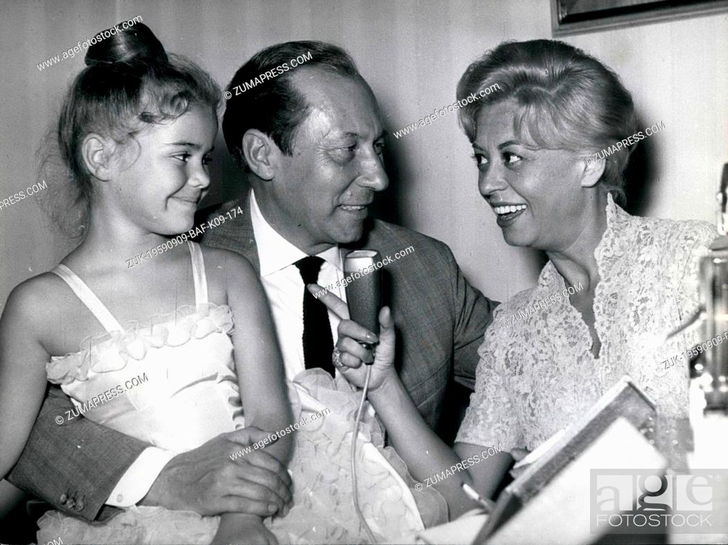 Imagen: Sep. 09, 1959 - The Italian actress Giulietta Masina (Giulietta Masina ) wanted to be a wireless-interviewer for once when she came to Frankfurt for the first.