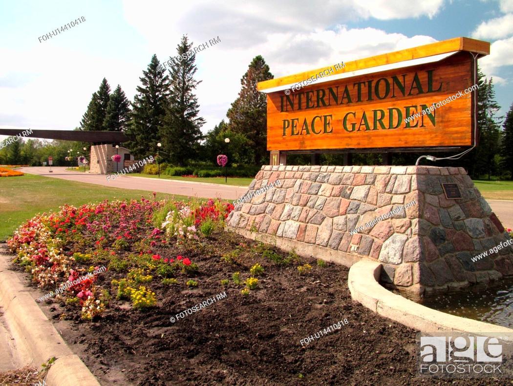 Stock Photo - Boissevain, Canada, MB, Manitoba, International Peace Garden, ND, North Dakota, USA, entrance, border