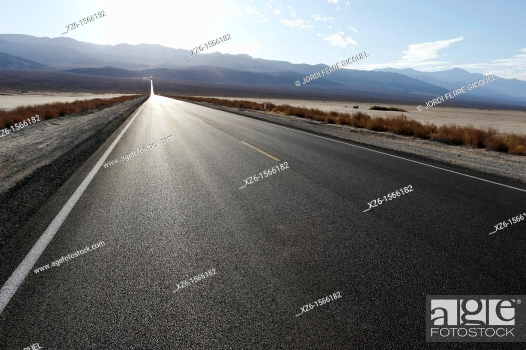 Stock Photo: Road across desert, Death Valley National Park, California, USA.