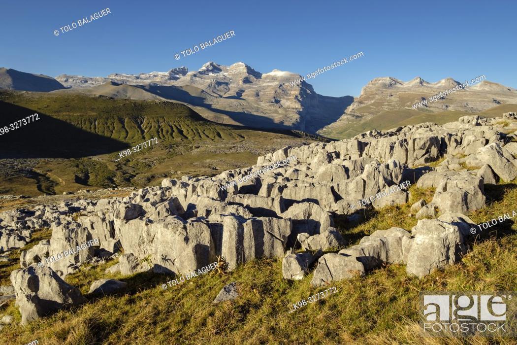 Imagen: zona Karstica entre la Estiba y el pico Mondoto, parque nacional de Ordesa y Monte Perdido, comarca del Sobrarbe, Huesca, Aragón, cordillera de los Pirineos.