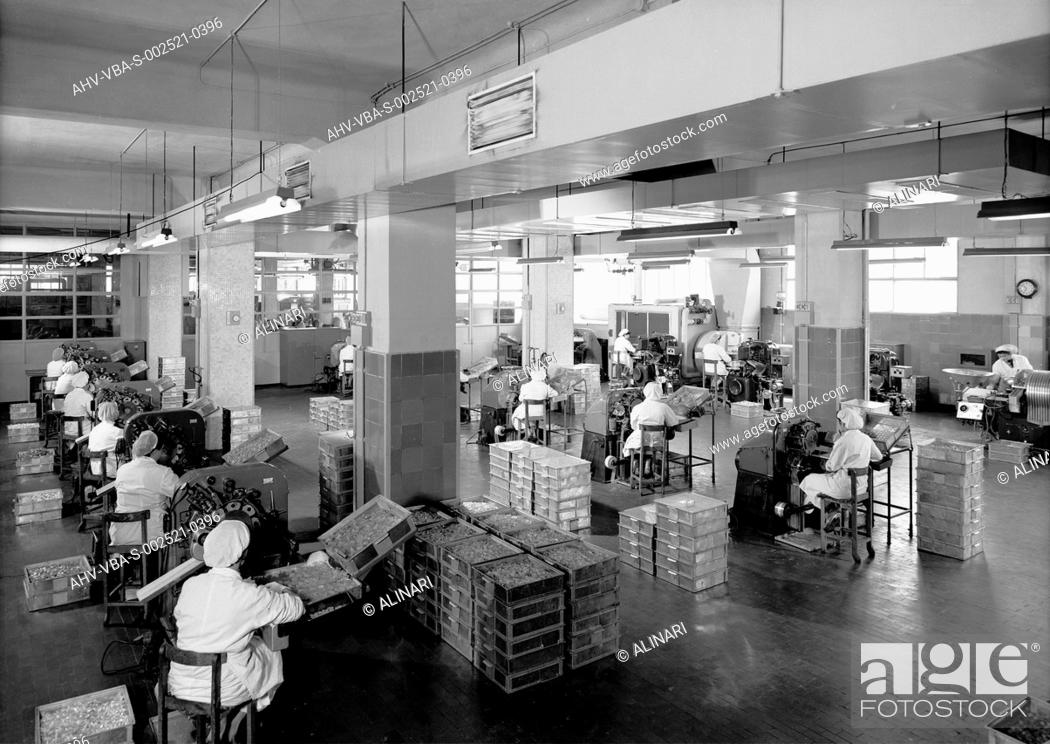 The Candy Making Department At The Motta Factory In Milan Shot 1950