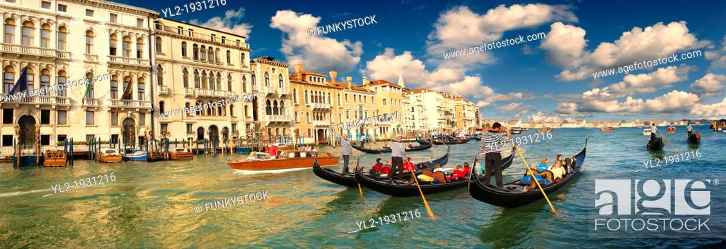 Imagen: Panoramic of Gondolas on the Grand Canal, Venice, Italy.