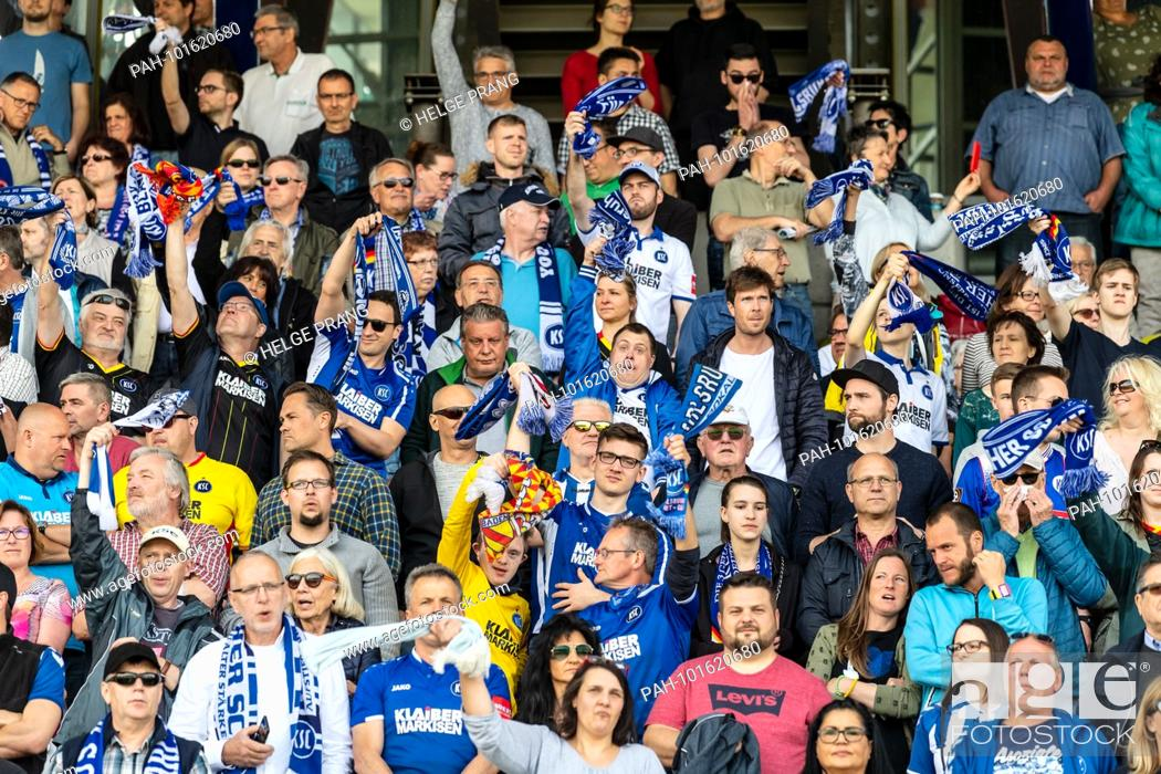 Feature Fans With Fan Shawls Ges Soccer 3rd League Karlsruher Sc Fc Hansa Rostock 15 Stock Photo Picture And Rights Managed Image Pic Pah 101620680 Agefotostock