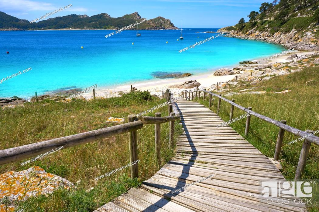 Photo de stock: Nostra Senora beach in Islas Cies islands of Vigo at Spain.