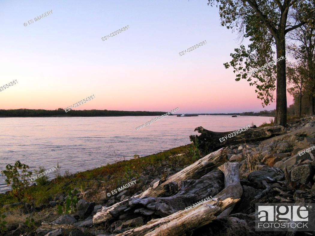Stock Photo: The Mississippi River at dusk, Mud Island River Park, Memphis, Tennessee.
