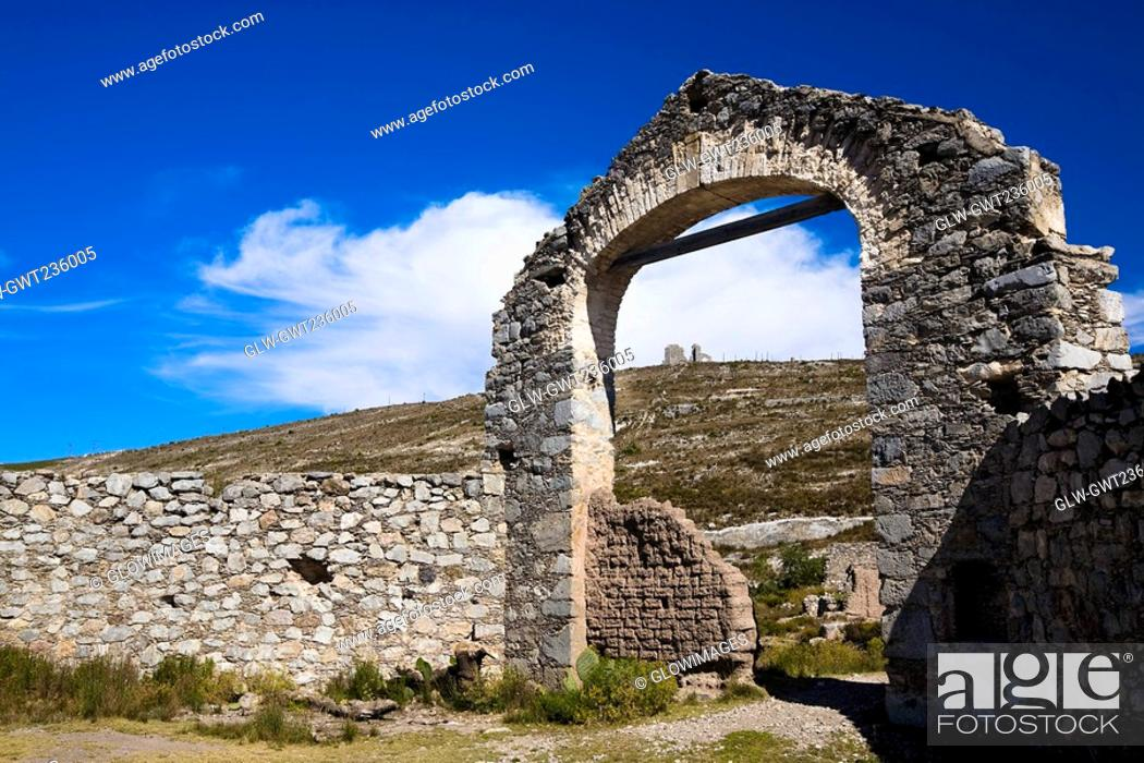 Stock Photo: Old ruins of a building, Real De Catorce, San Luis Potosi, Mexico.