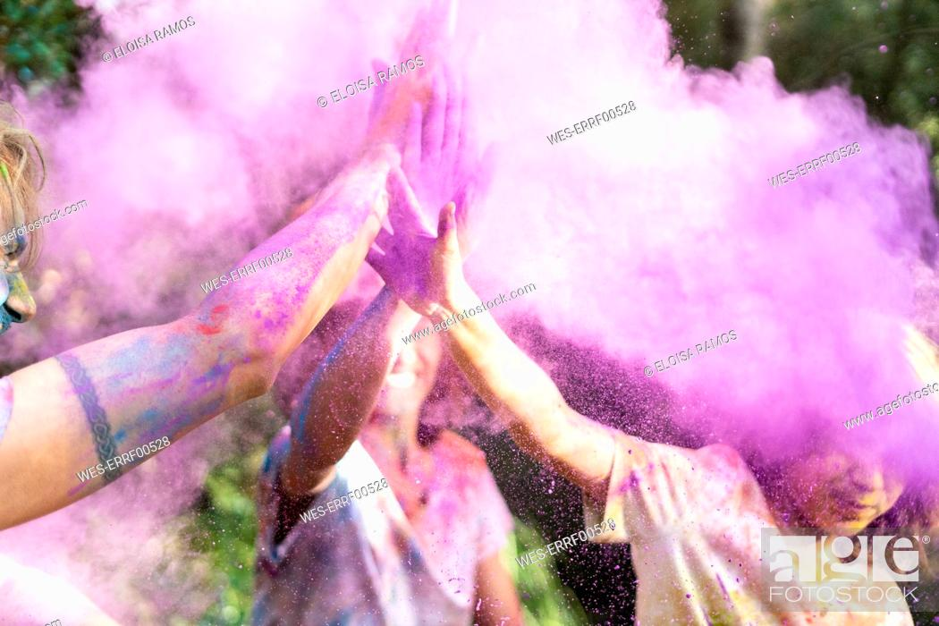 Photo de stock: People celebrating Holi, Festival of Colors.