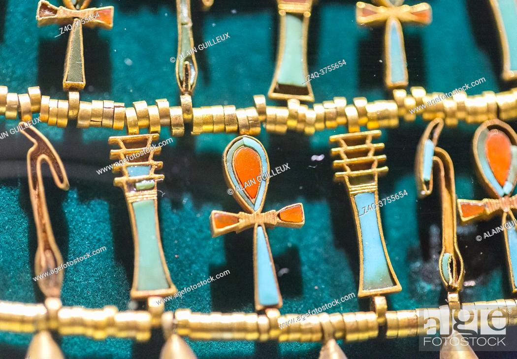 Imagen: Egypt, Cairo, Egyptian Museum, from the tomb of Khnumit, daughter of Amenemhat 2, Dashur : Large collar (Usekh collar) depicting beads and Ankh, Djed.