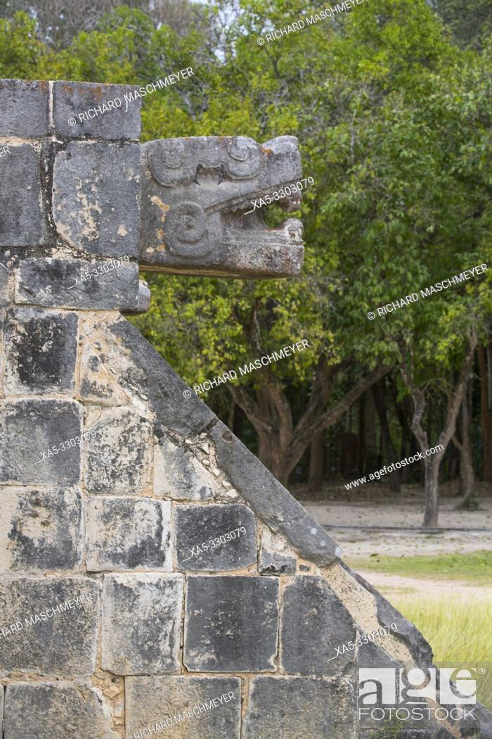 Imagen: Serpent Head, Venus Platform, Chichen Itza, UNESCO World Heritage Site, Yucatan, Mexico.