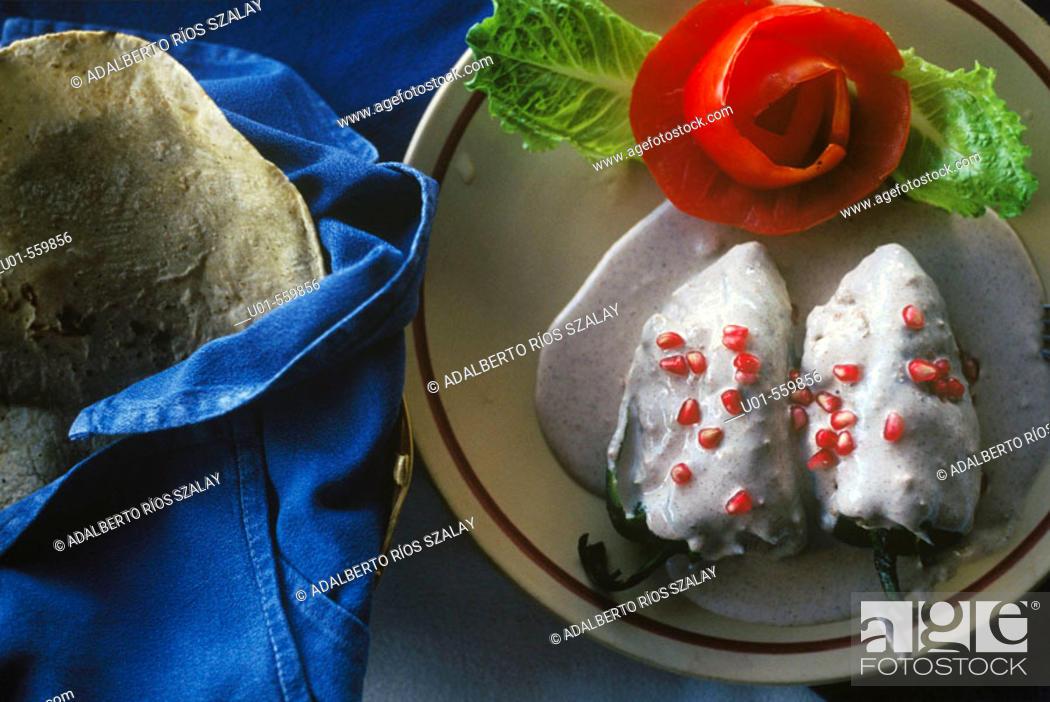 Photo de stock: Chiles en Nogada Typical Mexican Dish.