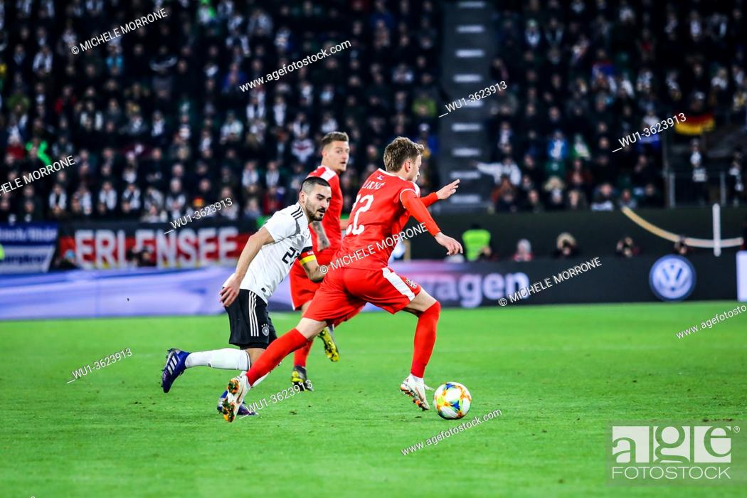 Imagen: Wolfsburg, Germany, March 20, 2019: Serbian soccer player Adem Ljajic runs with the ball during the international soccer game Germany vs Serbia at Volkswagen.