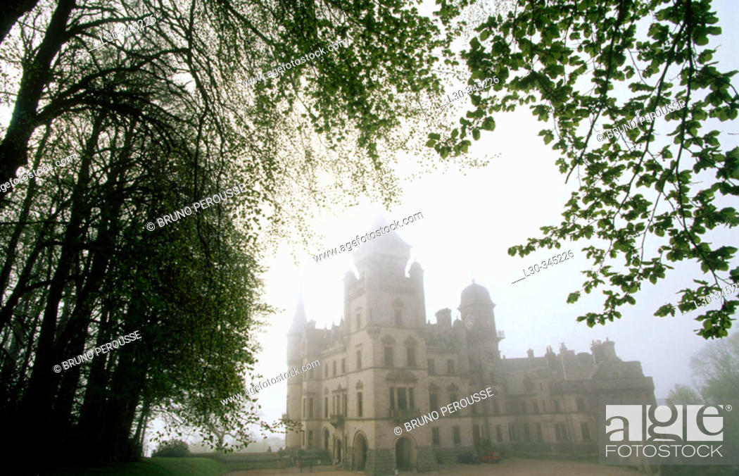 Stock Photo: Castle. Dunrobin. Highlands. Scotland. UK.