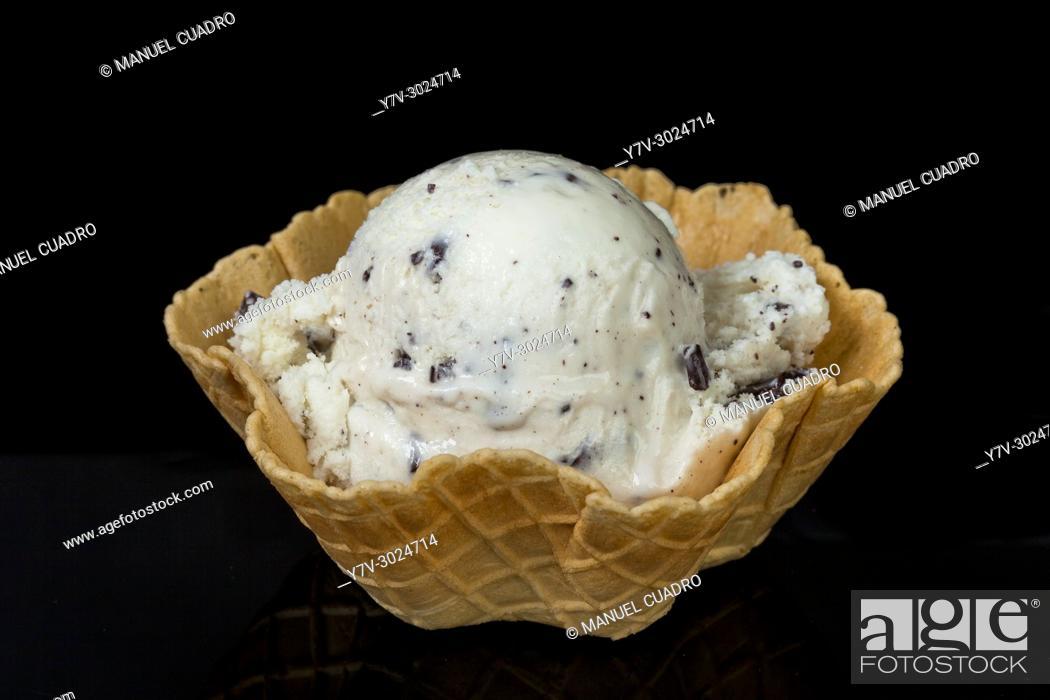 Imagen: Tartlet with Stracciatella ice cream.