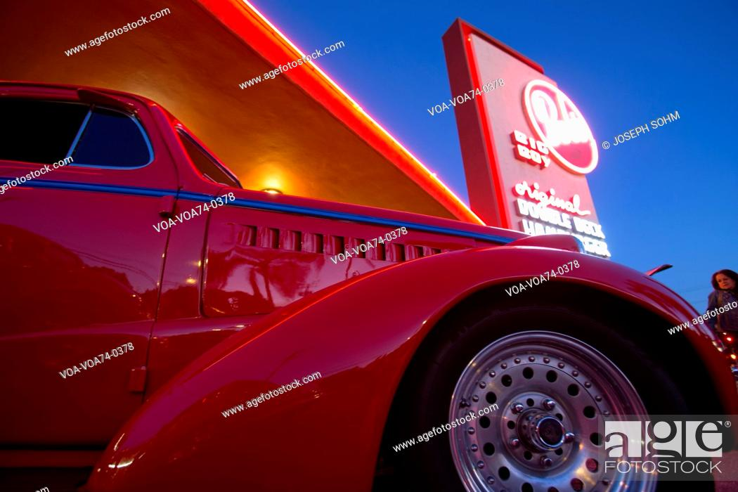Classic cars and hot rods at 1950's Diner, Bob's Big Boy, Riverside
