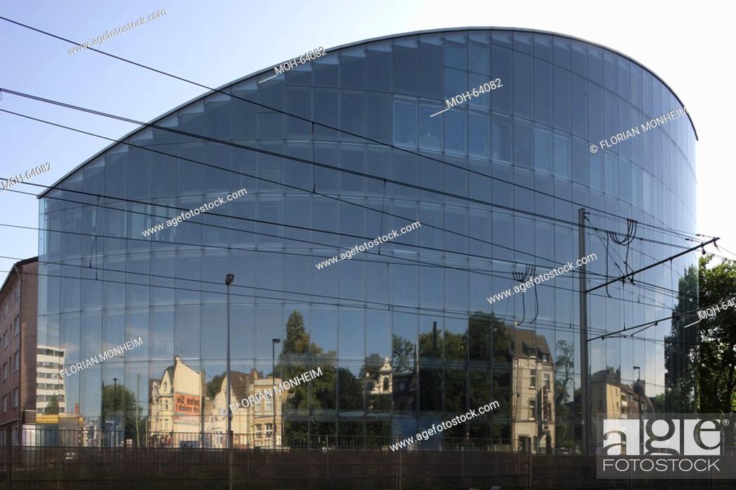 Stock Photo: Duisburg, Haus der Wirtschaftsförderung im Mikroelektronik-Park.