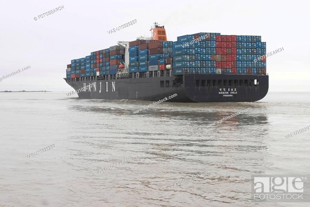 Stock Photo: storage, pile, piled, outdoors, sea, floating.