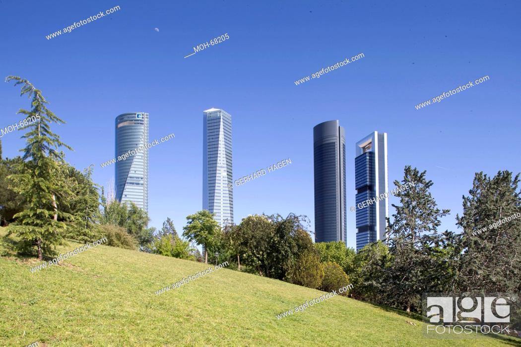 Stock Photo: Torre Caja Madrid ehemals Repsol Tower, der Torre de Cristal, der Torre Sacyr Vallehermoso und der Torre Espacio.