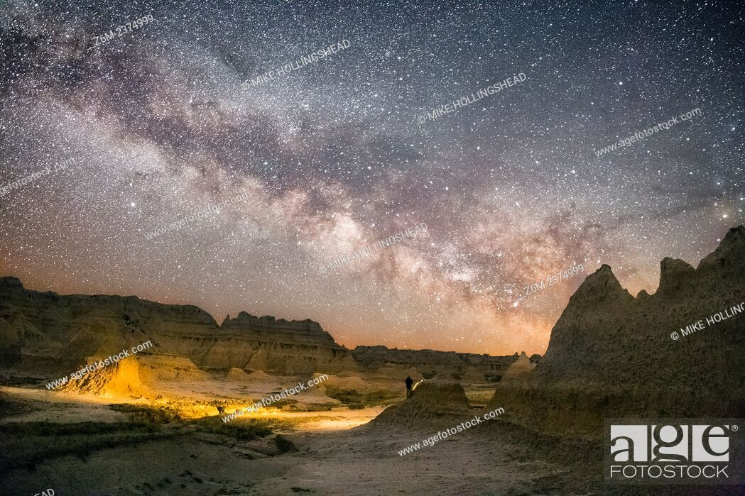 Stock Photo: Milky Way rises over the Badlands of South Dakota.