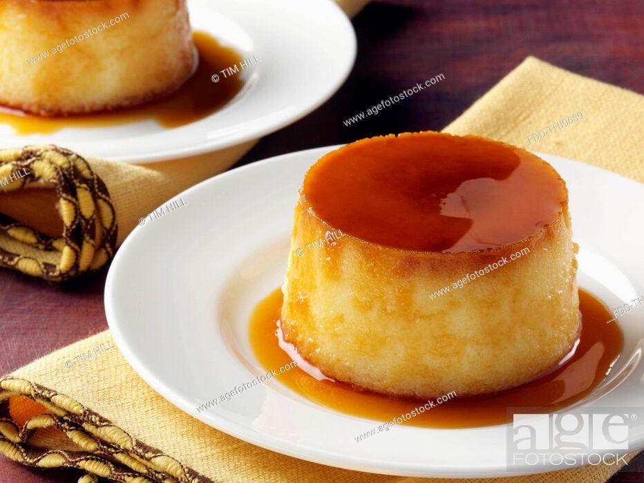 Imagen: Cuban coconut flan dessert.