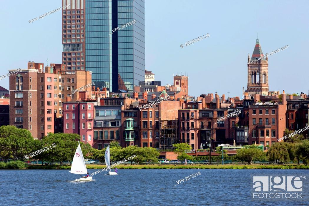 Imagen: brownstone buildings Old South Church Charles River sailboats Boston MA USA Massachussets.