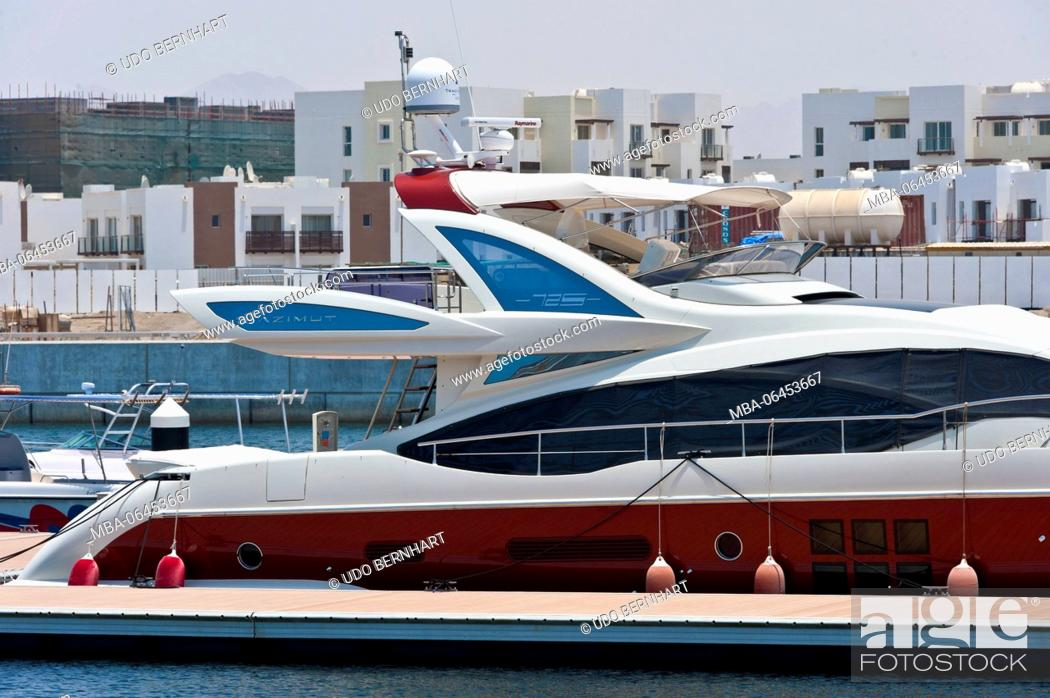 Stock Photo: Arabia, Arabian peninsula, Sultanate of Oman, Muscat, tourism project 'The Wave', yacht harbour.