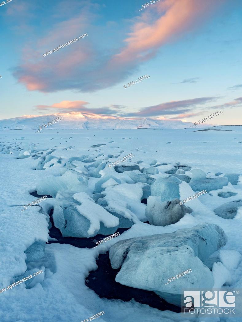 Imagen: Iceland Iceberg Black Sand Beach.