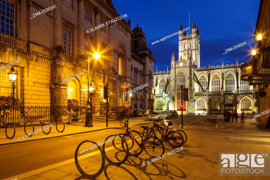 Stock Photo: Evening at Bath Abbey and Guildhall in Bath, Somerset, England.