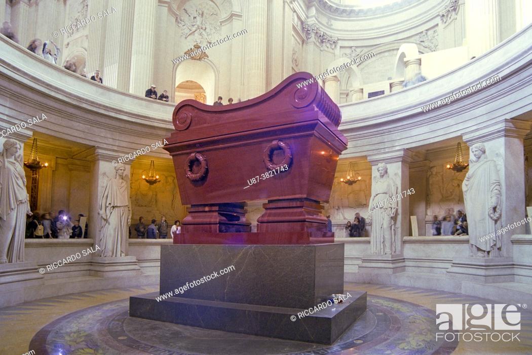 Stock Photo: France, Paris, Les Invalides, Emperor Napoleon Bonaparte Tomb.