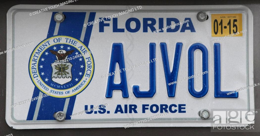 Imagen: Vehicle license plate from the State of Florida, USA. This license plate belongs to a member of the United States Air Force.