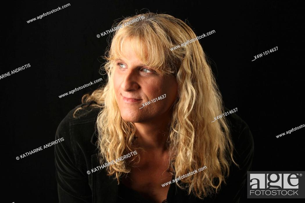 Imagen: Portrait of male to female transgender woman.