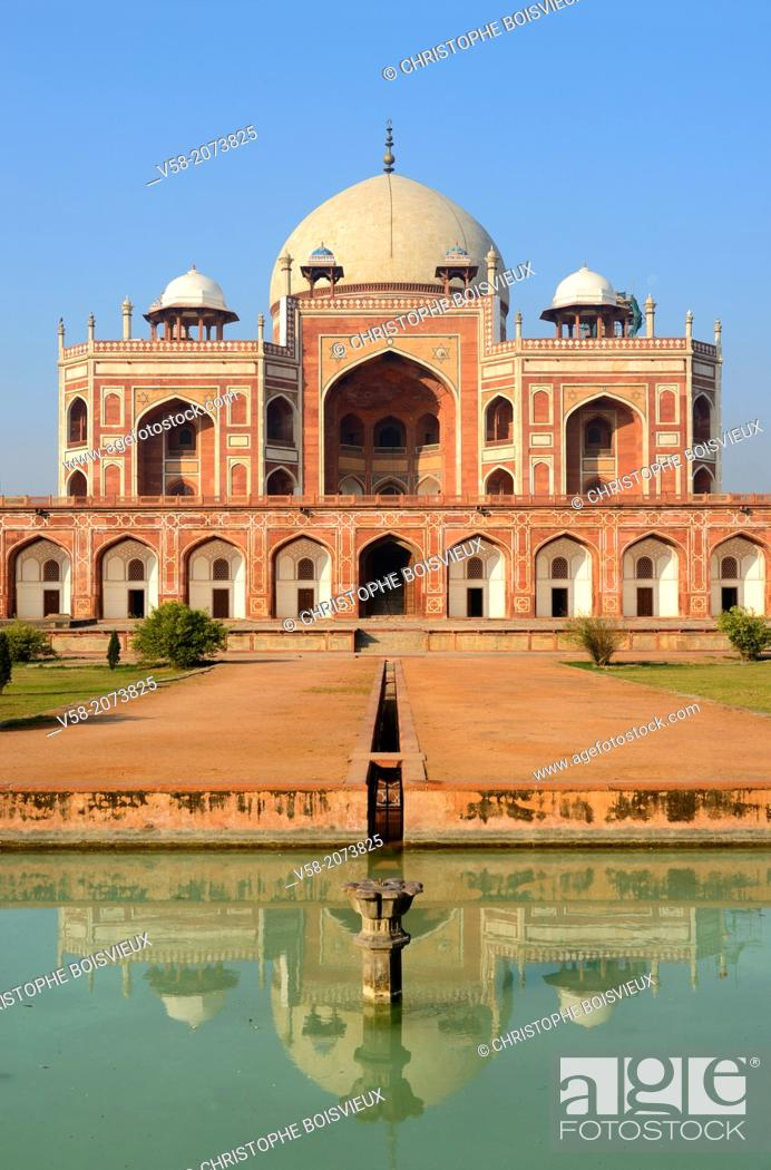 Imagen: India, New Delhi, World Heritage Site, Humayun's tomb.