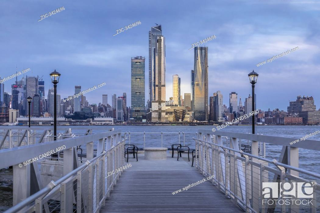 Stock Photo: Walkway To The New York City Skyline.