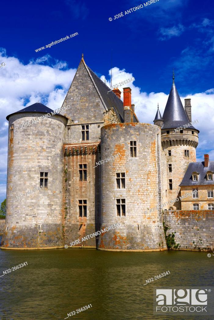 Stock Photo: Sully sur Loire, Castle, Chateau de Sully sur Loire, Loire Valley, UNESCO World Heritage Site, Loire River, Loiret department, Centre region, France, Europe.