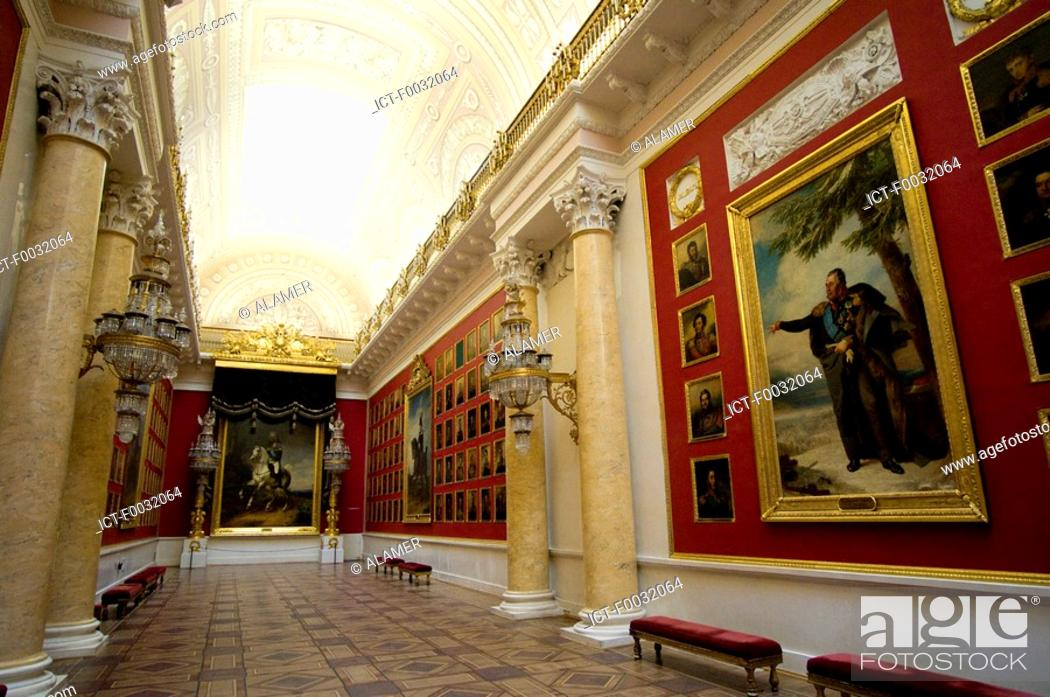 Stock Photo: Russia, St Petersburg, the state ermitage museum.